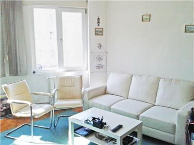 Apartament 4 camere in vila S+P+E, curte comuna, Universitate