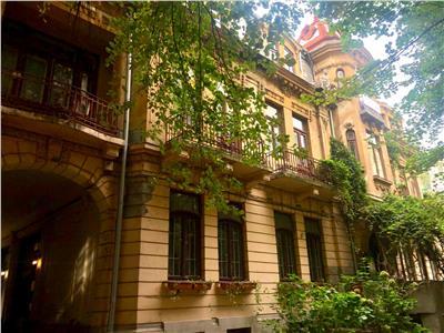Rosetti, apartament deosebit,  3 camere, curte, parcare, fara risc.