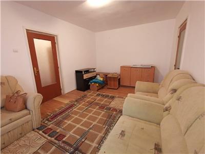 Vanzare apartament 4 camere, Militari/Uverturii