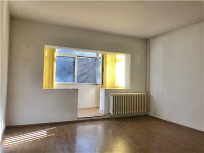 Apartament 2 camere decomandat, etajul 1/4, bloc reabilitat,  Aviatiei
