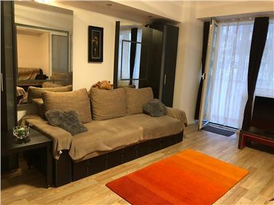 Vanzare apartament 4 camere, Piata Victoriei - Titulescu