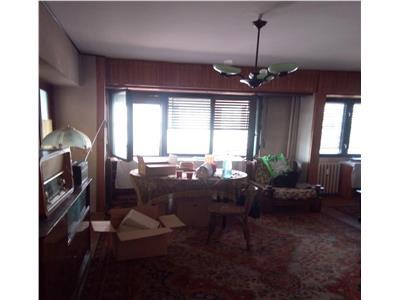 Vanzare apartament cu 3 camere, 1 Mai - Banu Manta