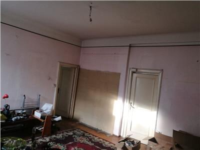 Vanzare apartament 3 camere, Piata Romana - Lascar Catargiu