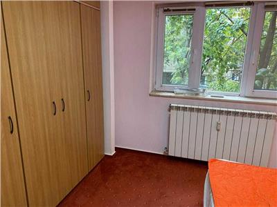 Inchiere apartament 2 camere decomandat, Bd. DEcebal