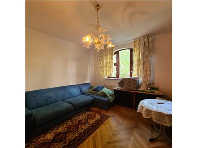 Pache, 2 camere, cochet, luminos, renovat, intrare separata, curte.