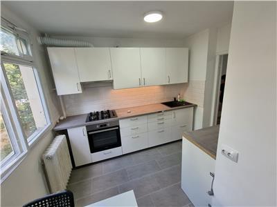 Inchiriere apartament cu 4 camere, Politehnica