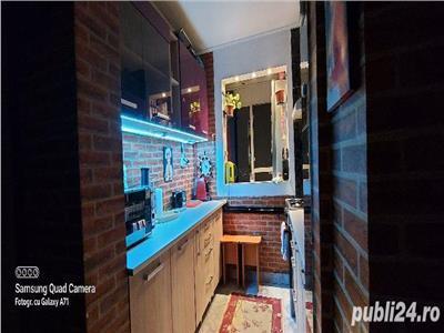 Vanzare apartament 2 camere decomandat piata Salajan