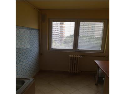 Vanzare apartament 3 camere decomandat