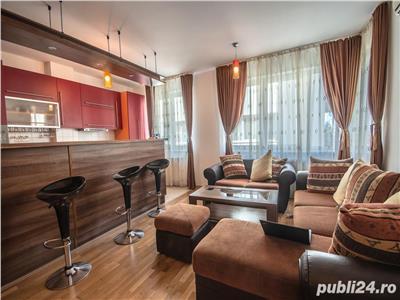 Inchiriere apartament 3 camere 2 bai decomandat lux in City Center Residence   Zona Unirii